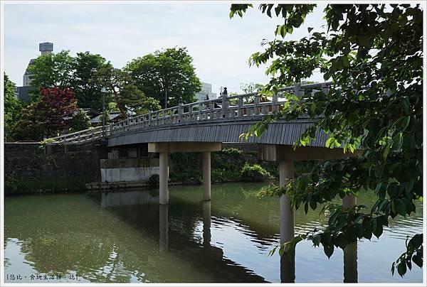 主計町茶屋街-12-中之橋.JPG