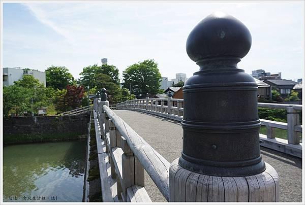 主計町茶屋街-13-中之橋.JPG