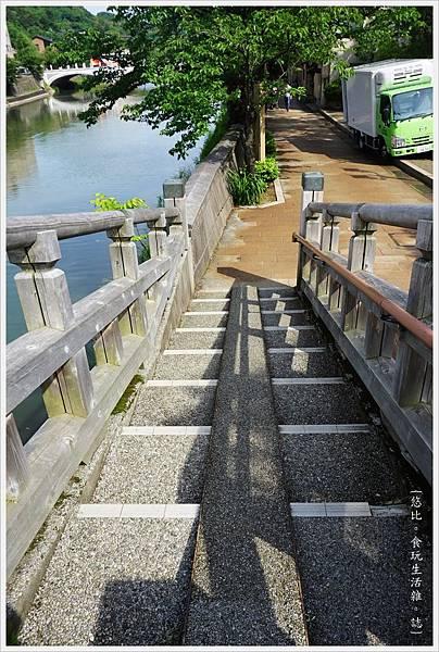 主計町茶屋街-17-中之橋.JPG