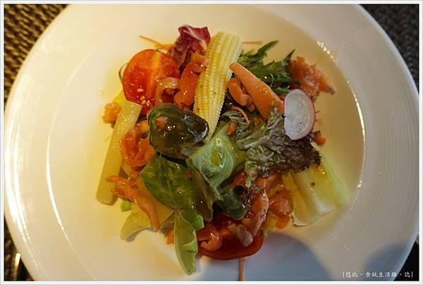 艾朋牛排-25-生菜沙拉.JPG
