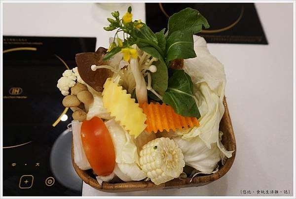 柚一鍋-16-菜盤.JPG