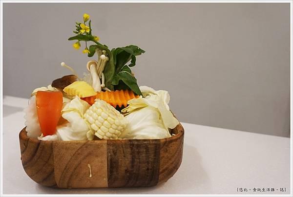 柚一鍋-17-菜盤.JPG