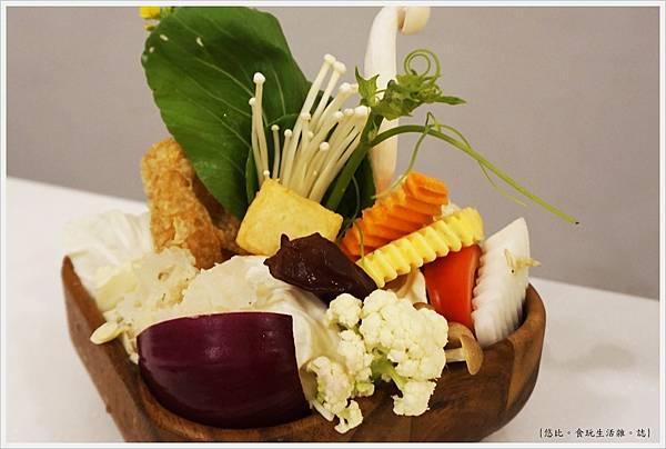 柚一鍋-18-菜盤.JPG