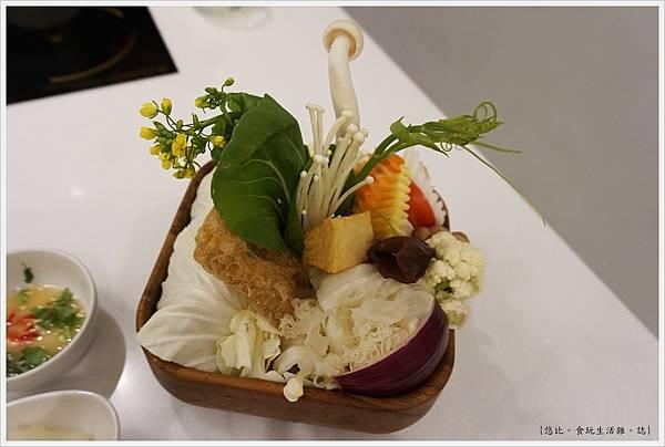 柚一鍋-21-菜盤.JPG