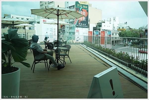 台南美術二館-61-im cafe.JPG