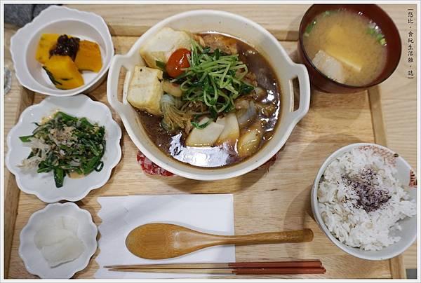 柚子-34-柚香豆腐雞肉堡.JPG