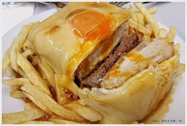 Porto-39-Cafe Santiago.jpg