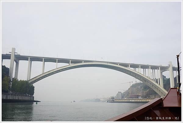 波多-杜羅河遊船-55- ponte da arrabida 阿拉比達橋.JPG