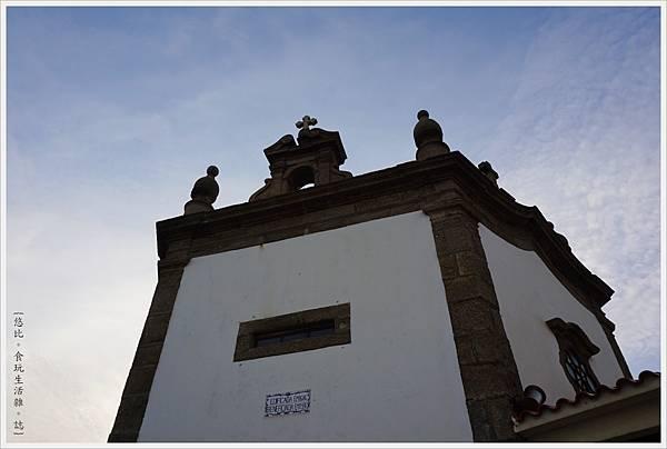 Chapel of Senhor da Pedra-8.JPG