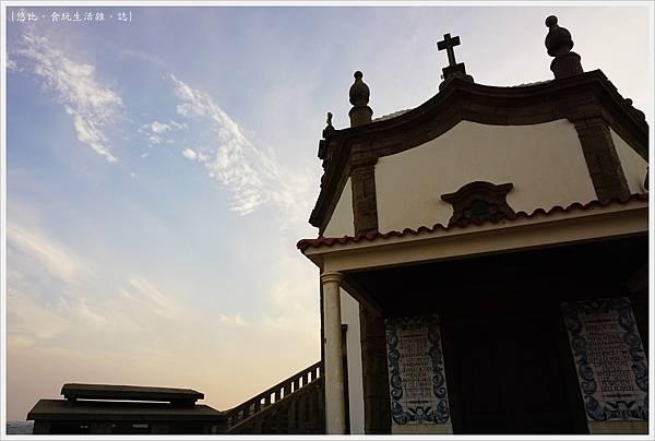 Chapel of Senhor da Pedra-13.JPG