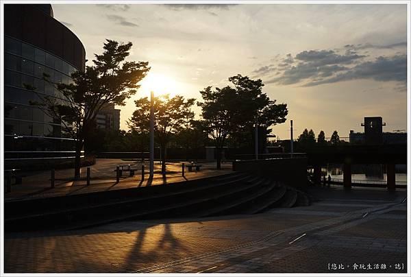 富岩運河環水公園-2.JPG
