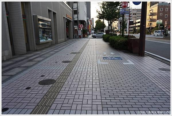 富山-2-街道.JPG