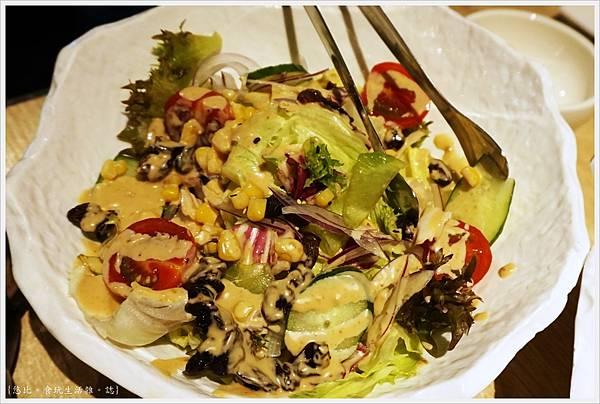 紅巢燒肉-21-生菜沙拉.JPG