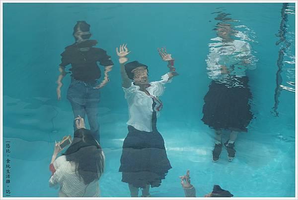 21世紀美術館-53-游泳池.JPG