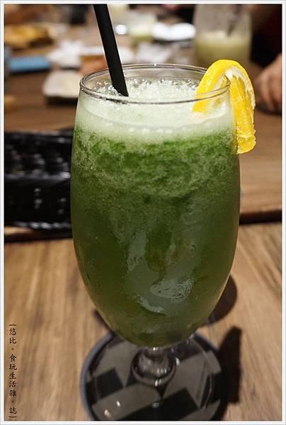 黑浮咖啡台中-48-小牛吃嫩草.JPG