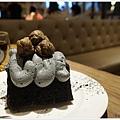 黑浮咖啡台中-58-極黑芝麻可可戚風.JPG