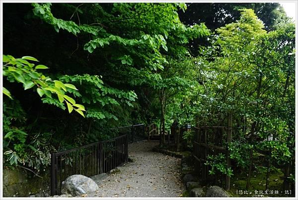 石川縣立美術館-9-綠色小徑.JPG