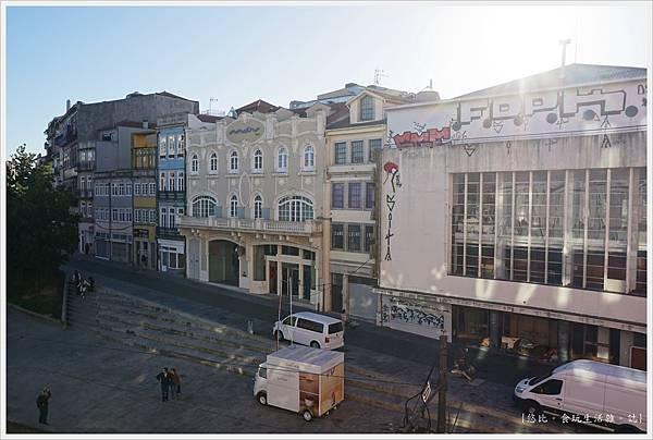 波多-1-飯店窗外.JPG