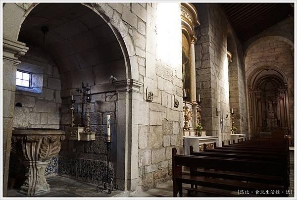基馬拉斯-39-奧利維拉聖母教堂.JPG