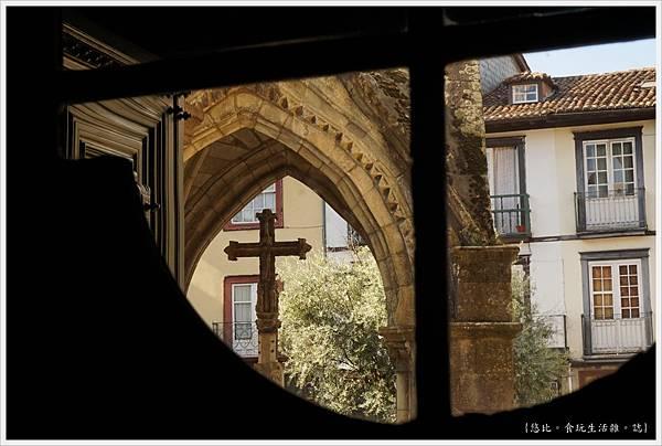 基馬拉斯-42-奧利維拉聖母教堂.JPG