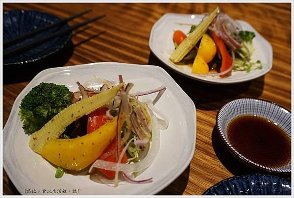 倚樂田食-10-沙拉.JPG