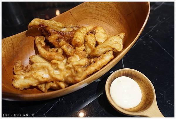 燒肉丼販-2-酥炸鮮魷.JPG