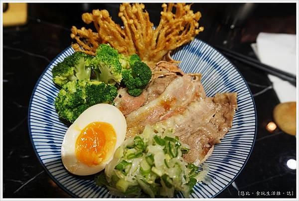 燒肉丼販-6-自然雪花牛丼.JPG