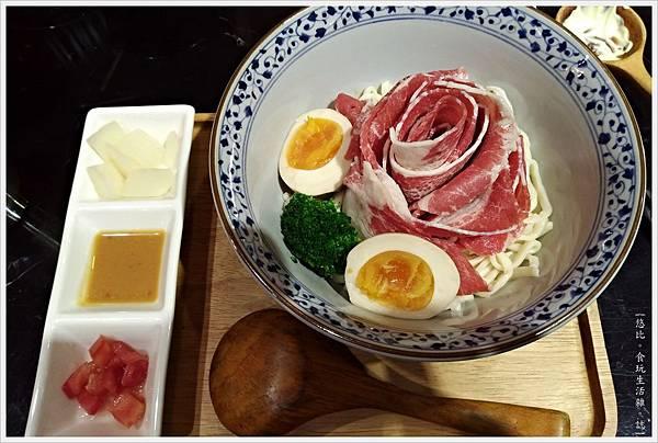 燒肉丼販-24-雪花牛肉麵.jpg