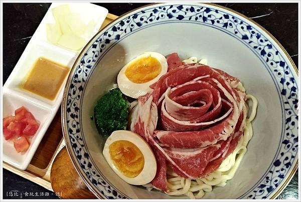 燒肉丼販-27-雪花牛肉麵.jpg