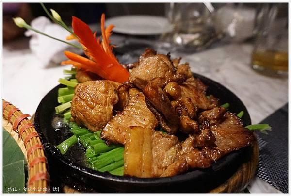 ESSENCE RESTAURANT-19-烤肉米線.JPG