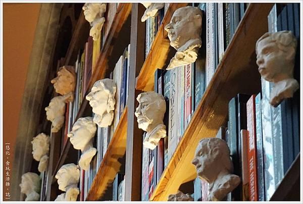 波多-43-萊羅書店.JPG
