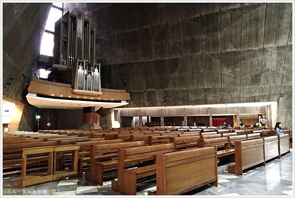 聖瑪利亞教堂-19-內部.jpg