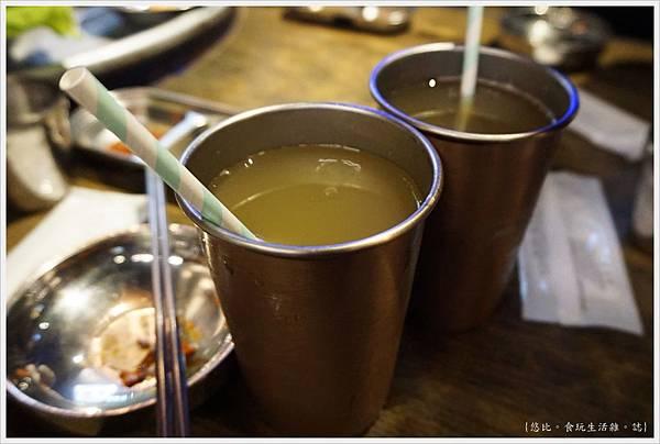 笨豬跳-20-甘蔗青茶.JPG