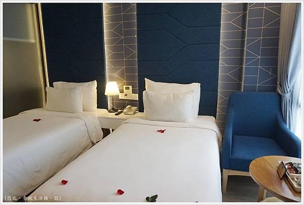 BONSELLA HOTEL-2.JPG