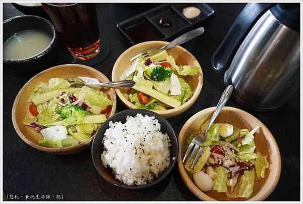 瓦庫燒肉-37-沙拉.JPG