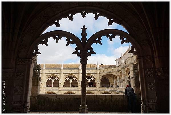 熱羅尼莫斯修道院-43.JPG