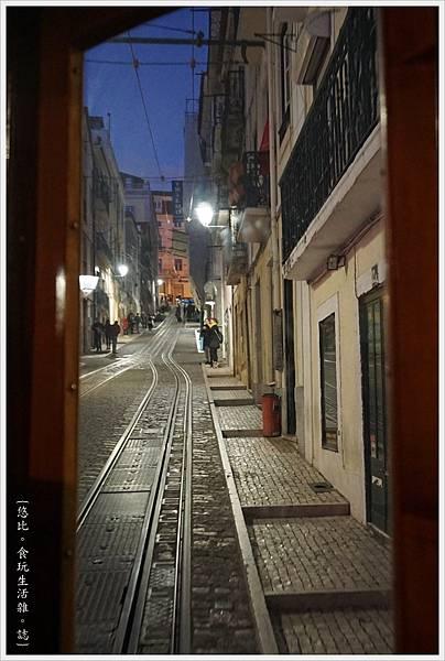 里斯本-Bica Funicular-6.JPG