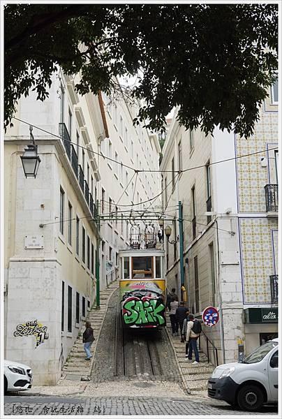 里斯本-Funicular Lavra-1.JPG