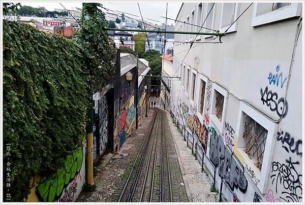 里斯本-Funicular Lavra-6.jpg