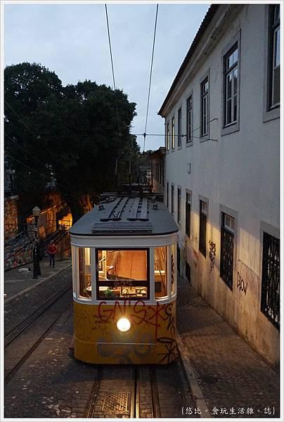 里斯本-Gloria纜車-7.JPG
