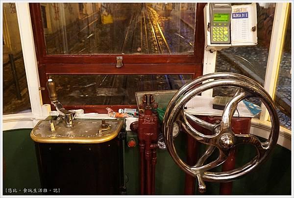 里斯本-Gloria纜車-16.JPG