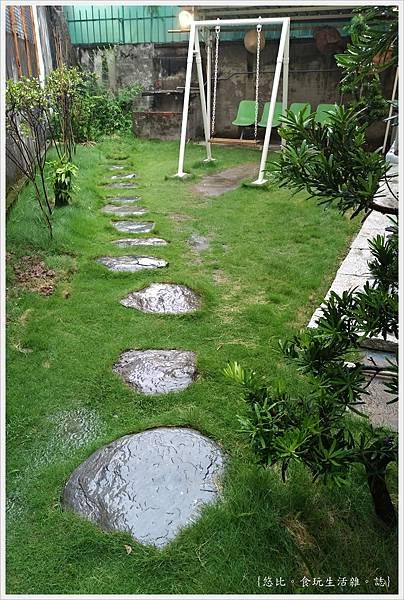 家咖哩-3-庭院.jpg