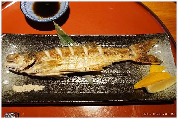 一秀日本料理-26-烤伍魚.JPG