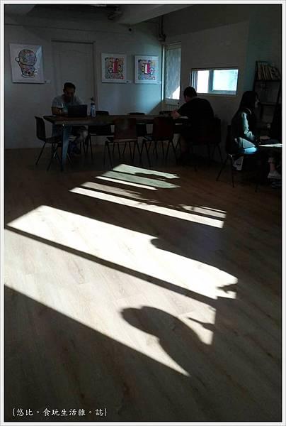 KroX Cafe-37.jpg