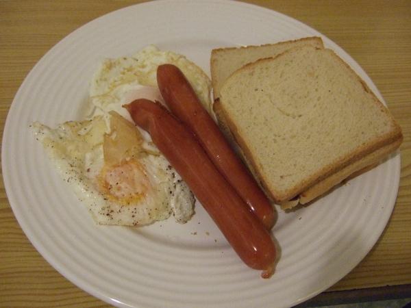 我人生中第一頓自己做的早餐!!