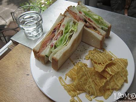 澄醬鮭魚三明治