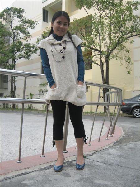 東京著衣毛毛長上衣+皇后的衣櫃內搭高領+LBT內搭褲+東寧路鞋子+天母誠品商場項鍊