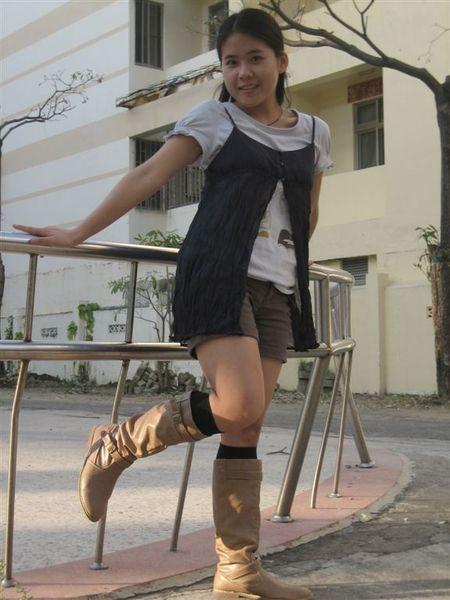 Gozo上衣vs小可愛+NM褲子+MCM襪子+KANA靴子
