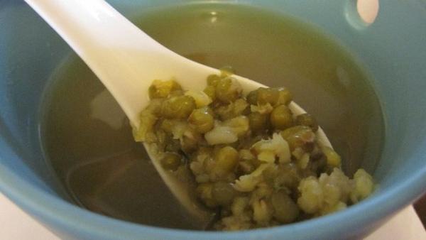 綠豆湯就是好喝,我也不知道如何描述,我不是食記專家。