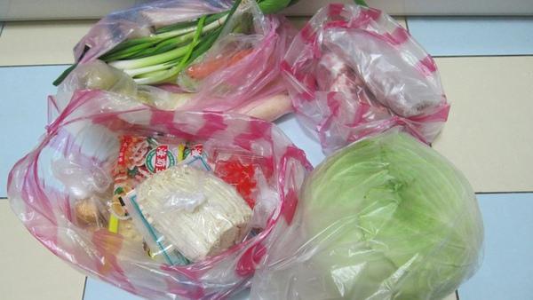買了好幾個月的鴨肉,今天,我放棄在台北的市場買生鴨肉了.jpg